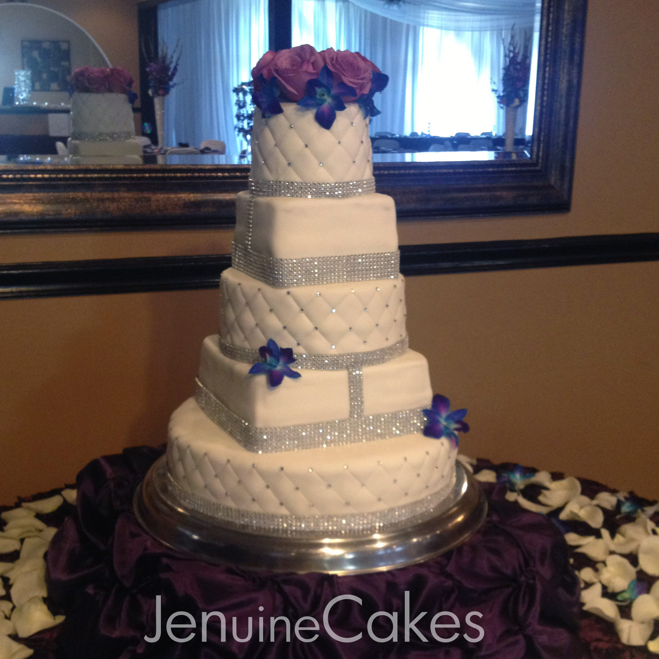 0 Glitz and Glam Wedding Cake 1