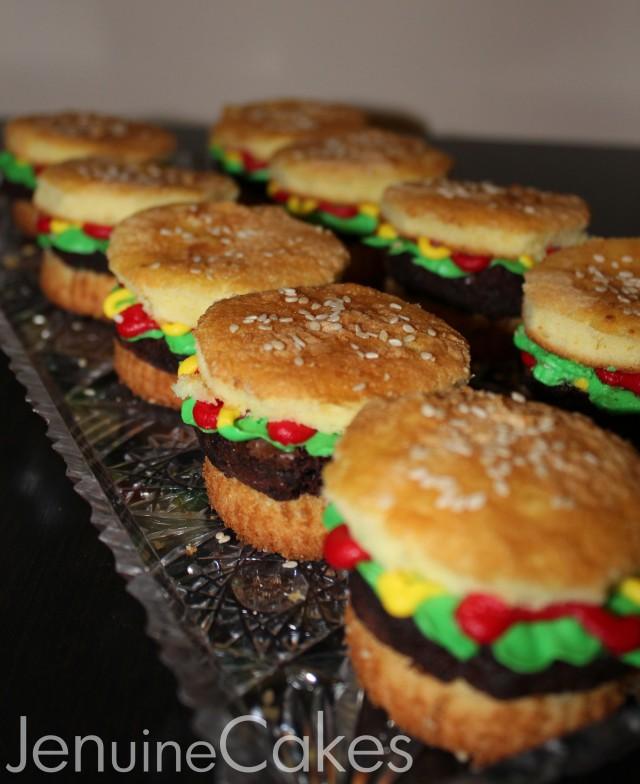 0 Super Bowl Burger Cupcakes 4