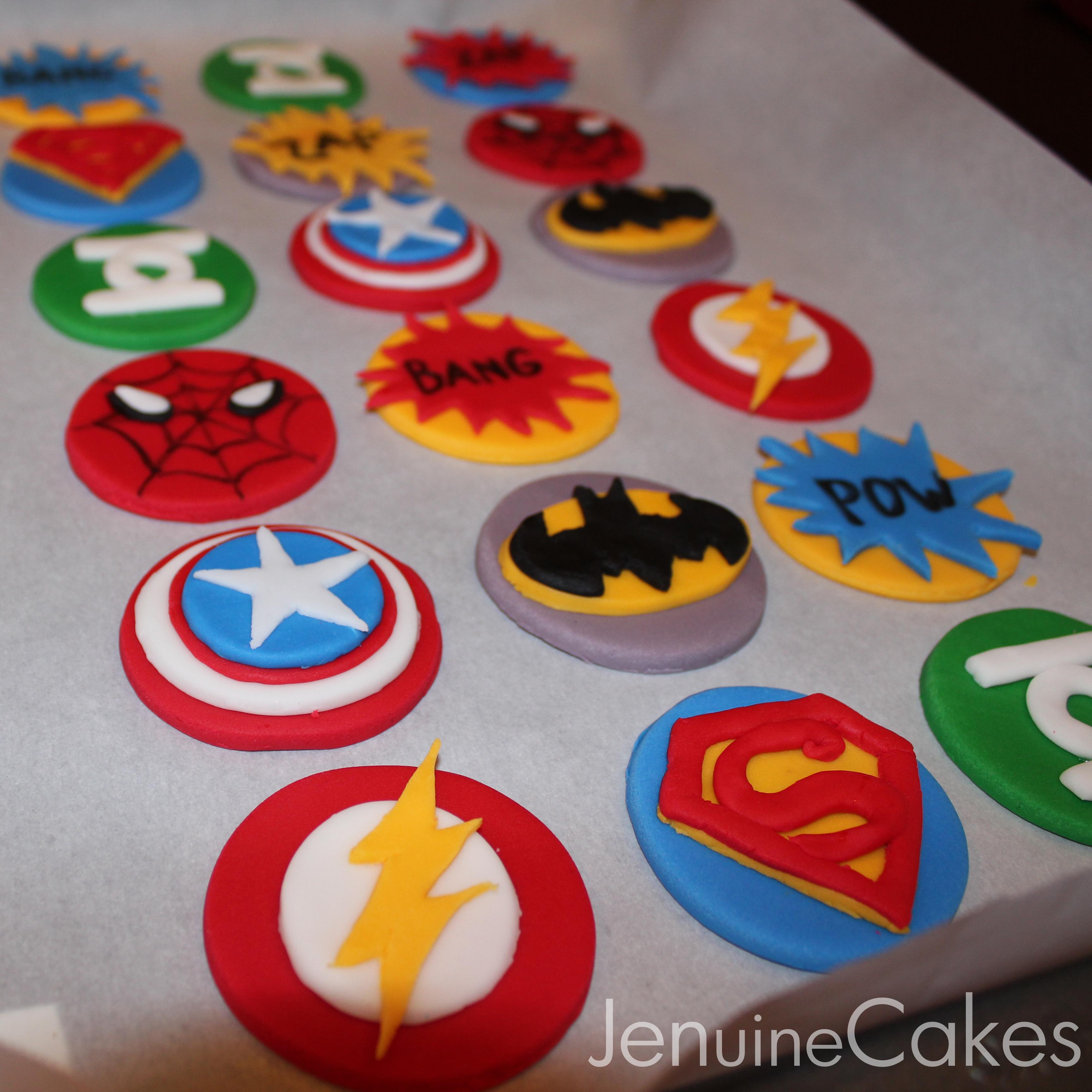 0 Superhero Cupcakes 1