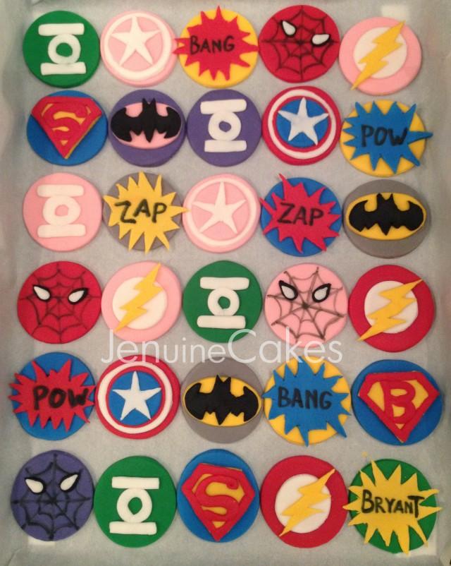 0 Superhero Cupcakes 2