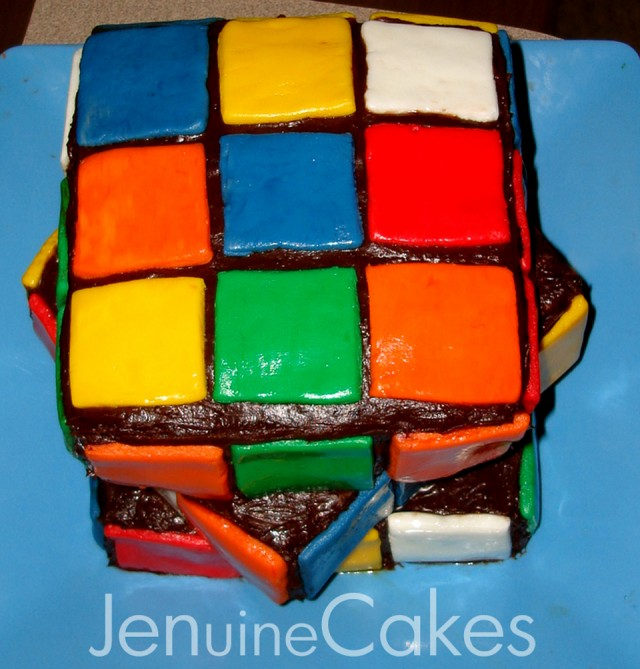 3 80s Rubik's Cube and Pacwoman