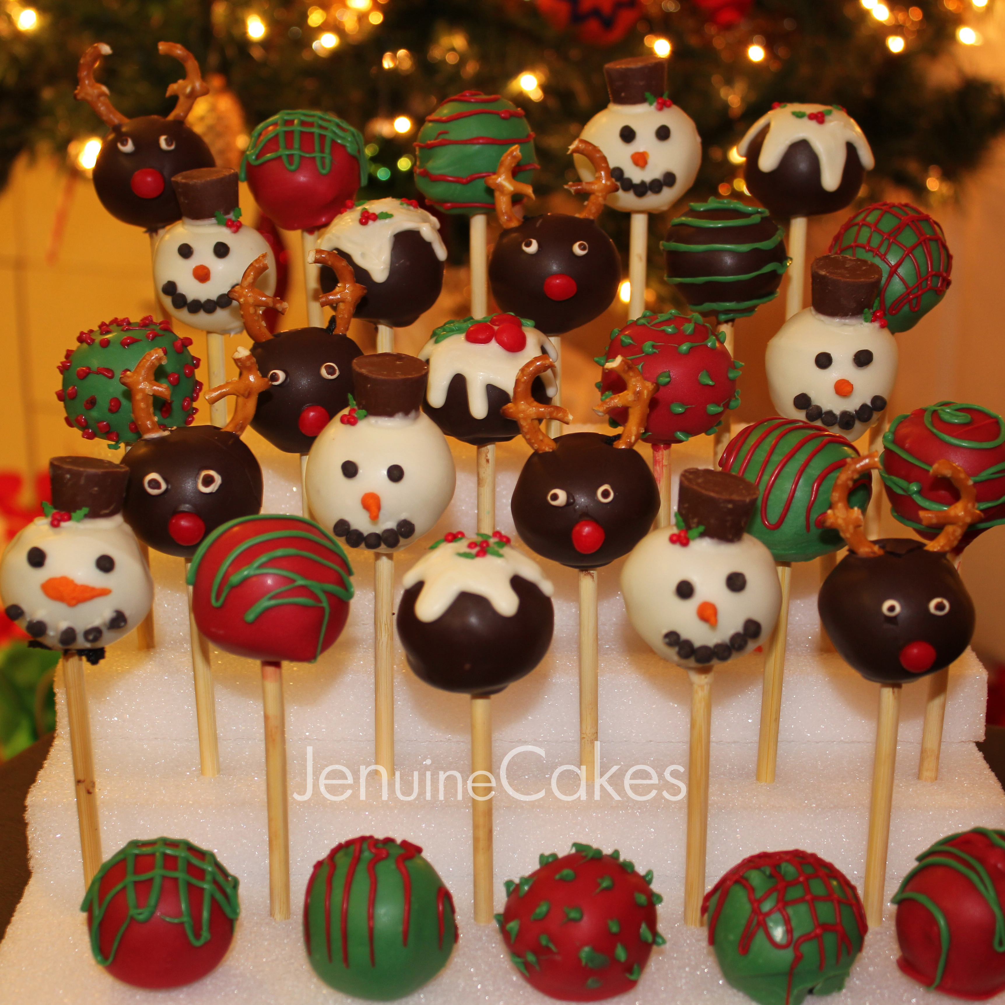 Christmas Cake Pops 1